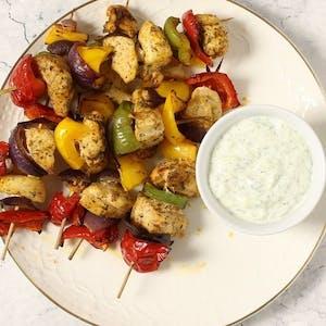 Szaszłyk z kurczaka z sosem tzatziki