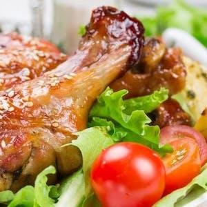 Podudzie z kurczaka w sosie cebulowym