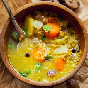 Zupa z soczewicy z warzywami