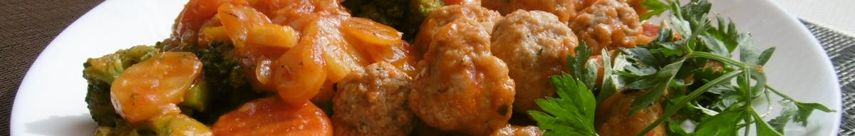 Frykadelki sosie pomidorowym