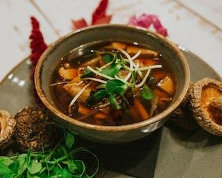 Orientalne zupy, zupa na dowóz, zupa na wynos
