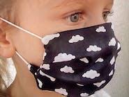 Maseczka bawełniana czarna w chmurki dla dzieci i kobiet