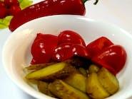 Salată de gogoșari și castraveți în oțet