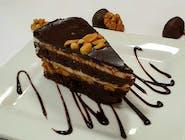 Peanuts caramel cake