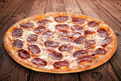 Mega Pizza cu Babic