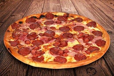 Mega Pizza Carnivora