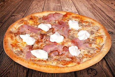 Mega Pizza Tradițională