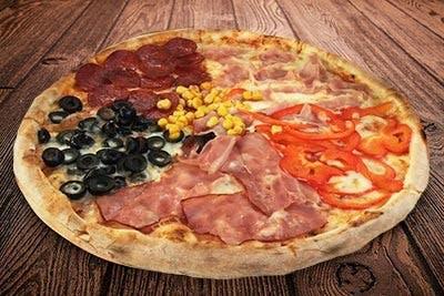Mega Pizza Della Casa