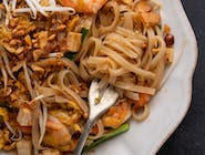 PAD THAI WITH PRAWNS & TOFU