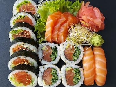 Sake Sashimi Set 15 szt