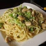 Makaron Spagetti z Kurczakiem w Sosie Serowym z Brokułami