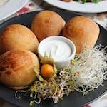 Pierogi z pieca faszerowane : szpinakiem, serem wędzonym, pieczarkami, soczewicą czerwoną 5szt