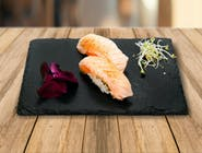 Nigiri Hot Salmon