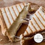 Tost z serem i szynką