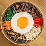 Bibimbap z wołowiną