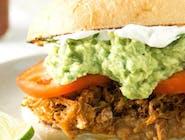Carnitas Sandwich/ Sandwich de porc (pulled pork)