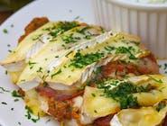 Pierś Drobiowa z grilla / pesto z suszonych pomidowrów /camembert francuski
