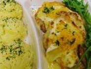 Eskalopki schabowe zapiekane z trzema serami /camembert/złocisty lazur/mozzarella