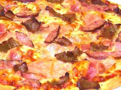 31. Cztery Mięsa, sos Pomidorowy