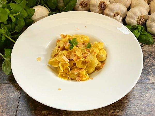 Saccotini z gruszką i serami (15szt)