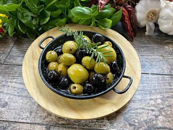 Mix  oliwek w ziołach
