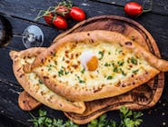 Khachapuri                           (placinta Georgiana)