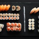 Friends (34 szt) Egzotyczne smaki w sushi!