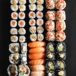 Friends (52 szt) Egzotyczne smaki w sushi!