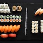 Big Japan (34 szt.) Klasyczne sushi (+18 szt. za jedyne 19.90 zł)