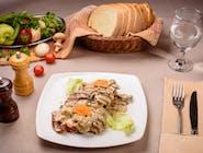 Ciolan de porc în sos de ciuperci