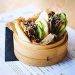 Bao z szarpaną wieprzowiną i kimchi 2szt.