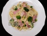 SPAGHETTI (brokułowy z szynką)