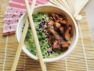 Zupa Tom kha kai z łososiem pieczonym