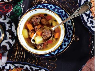 Zupa shorpa z wołowiną