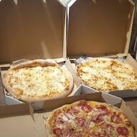 Zamów 2 pizze, a 3-cią pizzę otrzymasz z 20% rabatem