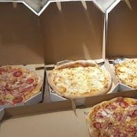 Zamów 3 pizze, a 4-tą pizzę otrzymasz GTRATIS