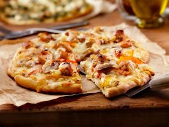 A kawałków pizzy masz ile chcesz :-)