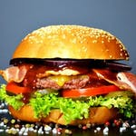 BBQ BURGER + frytki stekowe 200 g (zestaw)