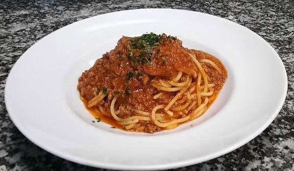 4. Spaghetti Bolognese