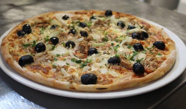 9. Pizza Tonno