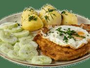 Sznycel po wiedeńsku z indyka z polskimi ziemniakami z wody i mizerią