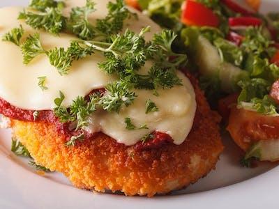 Zestaw  Filet drobiowy  w ziołach z pomidorem i zapiekanym serem