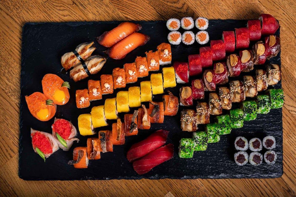 ZESTAWY EXTRA zestawy sushi mieszane z rybą pieczoną i w tempurze