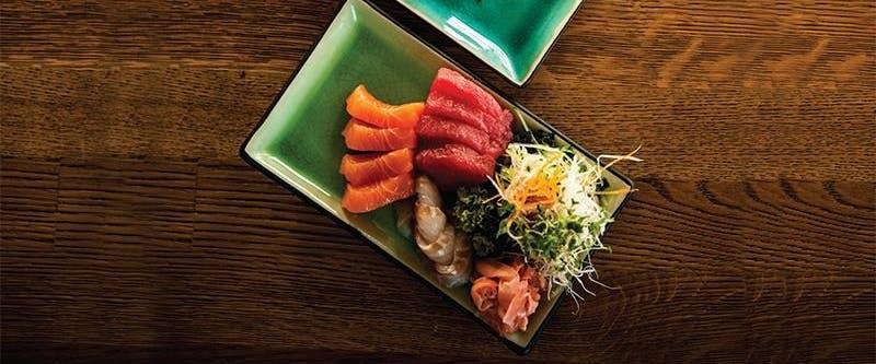 SASHIMI - cienko pokrojone kawałki ryby