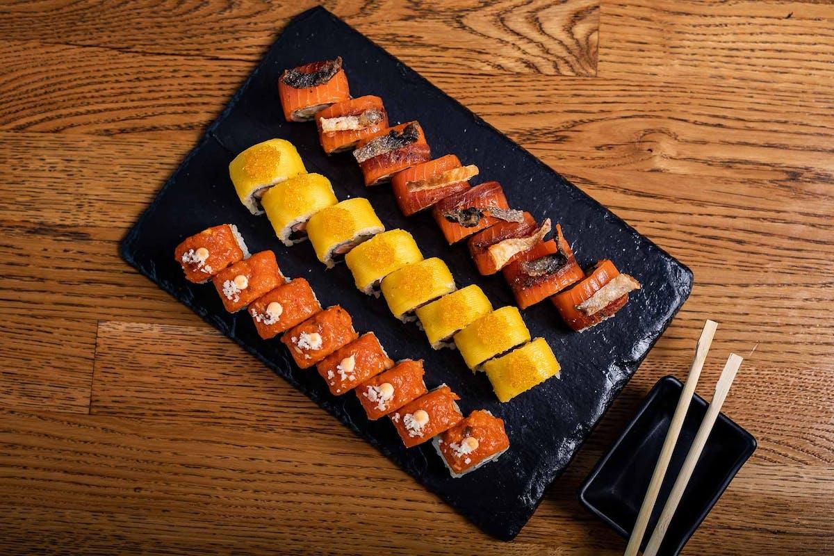 ZESTAWY SUSHI MIX - zestawy sushi mieszane z rybą pieczoną i surową