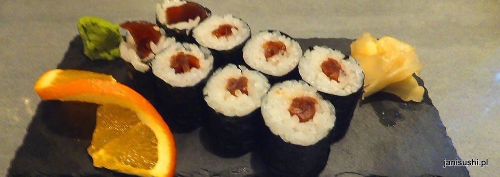 HOSOMAKI 8 szt.     - cienka rolka ryżu z jednym składnikiem