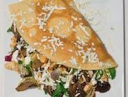 19. Naleśnik - Kurczak gyros, grzyby smażone z cebulą, ser camembert, mix sałat, rukola // sos