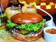 Burger Listopada zestaw z frytkami belgijskimi i Pepsi 0,5 l.