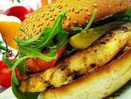 Burger z gillowanym kurczakiem