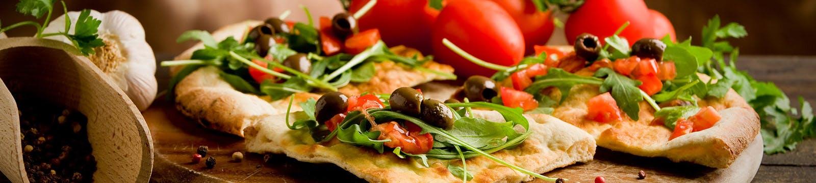 Oprócz pizzy oferujemy inne włoskie dania, zupy, sałatki i przekąski